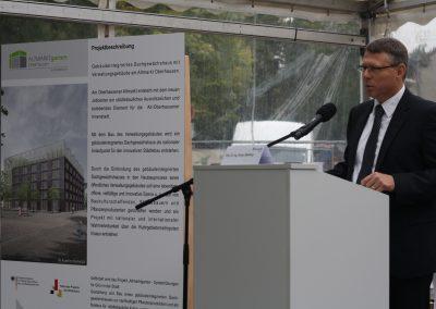 Prof. Dr.-Ing. Görge Deerberg, stellvertretender Institutsleiter von Fraunhofer UMSICHT, erläuterte das inFARMING®-Konzept.